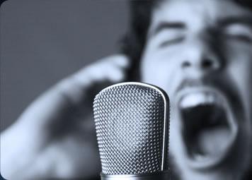 Entrenamiento de voz para aficionados y profesionales.